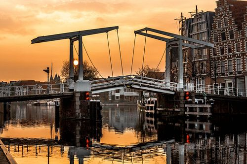 Gravestenebrug in het ochtendlicht van
