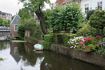 Langs het water (bewerking) van Renate Coenen