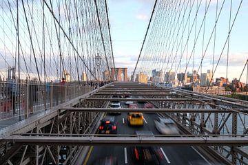 Skyline Brooklyn Bridge New York, USA van Ingrid Meuleman