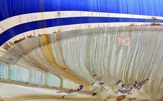 Vissersschip op de kade voor reparatie in Breskens