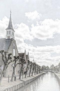 """Kerk aan het kanaal in het dorp """"Sloten""""  in """"Friesland"""" Nederland van Dick Jeukens"""