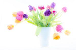 Tulpen in vaas van Albert Mendelewski
