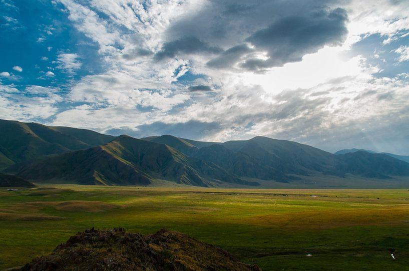 Bergen in Kirgizië van Jaco Visser