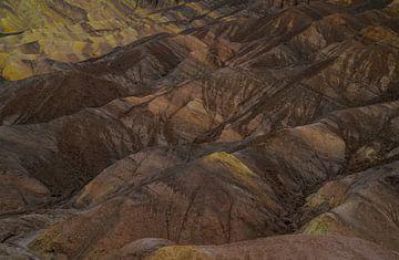 Gouden geërodeerde heuvelruggen van
