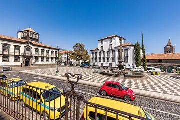 Rathausplatz in Funchal auf Madeira von Werner Dieterich