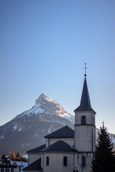 Church at Grand Chartreuse and Chamechaude mountain van Luis Fernando Valdés Villarreal Boullosa