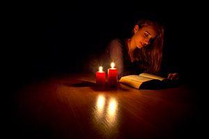 La lecture aux chandelles