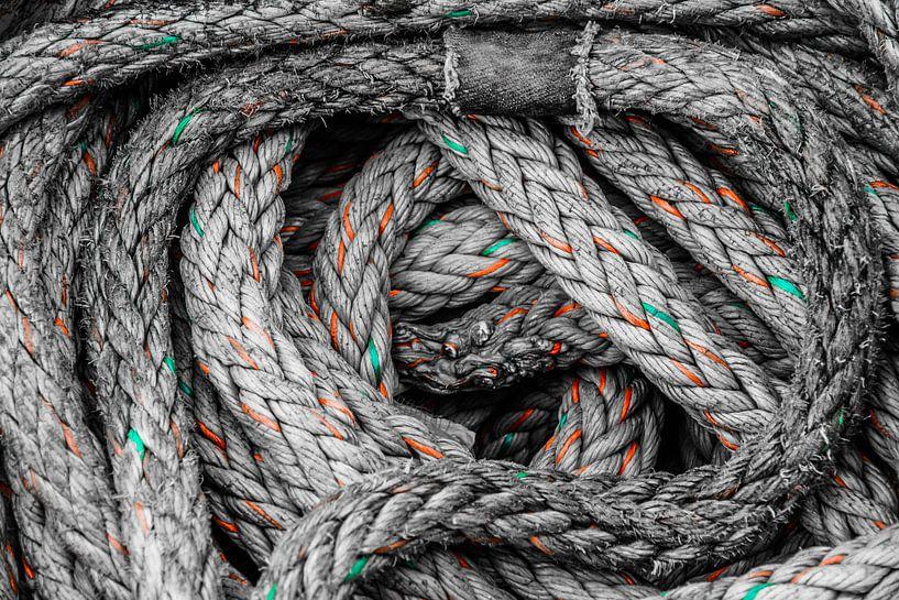 Scheepstouw met kleuraccenten van Dirk Jan Kralt