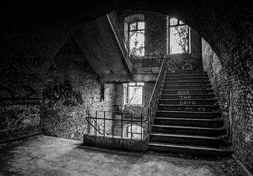 Verlaten gebouw van Gonnie van de Schans