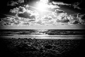 Sonnenuntergang am Meer | Callantsoog, Niederlande | Schwarz-Weiß-Fotografie | Natur- und Landschaft von Diana van Neck Photography