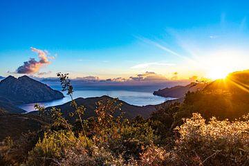Sonnenuntergang auf Korsika von Martijn Joosse