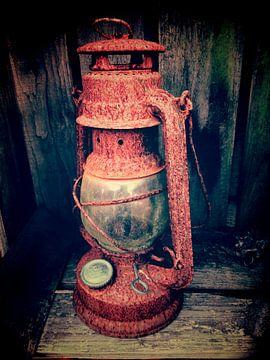 old lamp van Alfred Stenekes