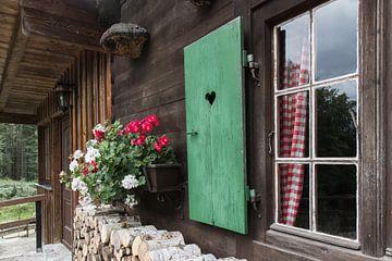 Fenster mit Geranien von Andreas Stach