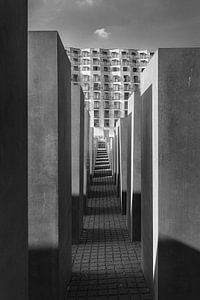 Holocaust monument van