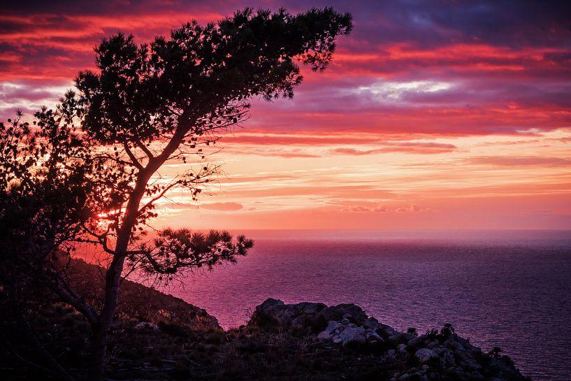 Majorca – Sunset in the Serra de Tramuntana van Alexander Voss