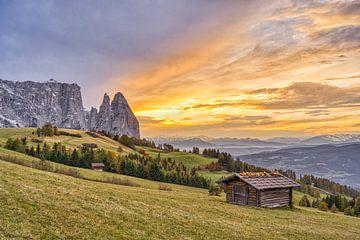Schlern und Santnerspitze in Südtirol von Michael Valjak