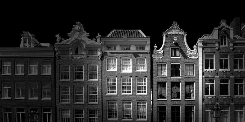 Amsterdamer Fassade (schwarz-weiß) von Rob Blok