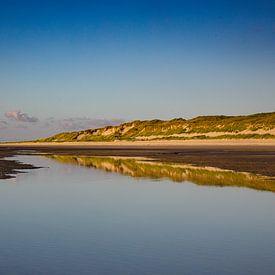 Reflet rangée de dunes Plage de la mer du Nord Vlieland I sur Gerard Koster Joenje (Vlieland, Amsterdam & Lelystad in beeld)