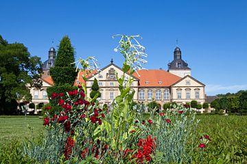 Blumenbeet vor Schloss Hundisburg (Sachsen-Anhalt) von t.ART