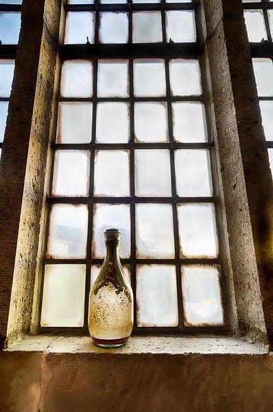 Lege fles van Mark Bolijn