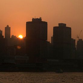 Zonsondergang Hongkong van Brenda Reimers