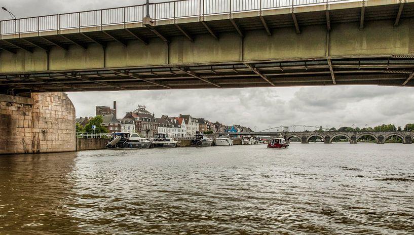 Maastricht vanaf het water van John Kreukniet