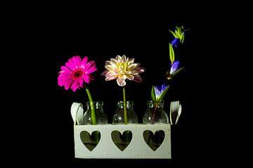 Blumen in Vasen von Gert-Jan Kamans