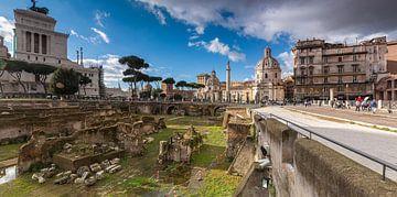Forum van Trajanus (Foro di Traiano) samen met het Monument van Victor Emanuel II (Monumento Naziona