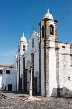 De kerk in Mosaraz Portugal van Compuinfoto .