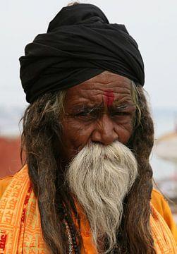 Priest of Varanasi van Ron Dijkstra