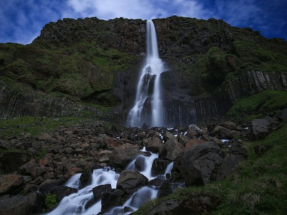 Bjarnarfoss waterval, Snaefellsnes, IJsland van Pep Dekker