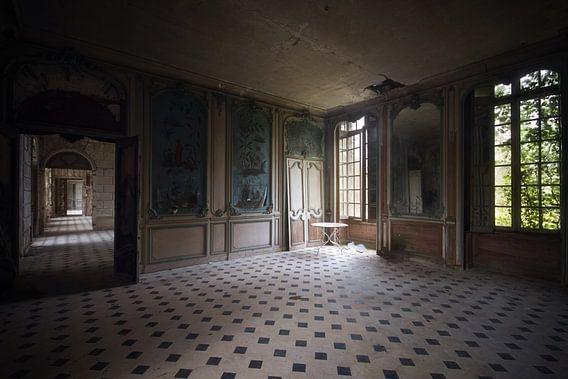 Verlaten Kamer in een Kasteel. van Roman Robroek