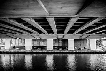 Onder de brug von Gina Soraya Kosman