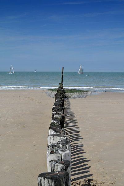 uitzicht vanaf de strandpalen van Jolanda Kraus