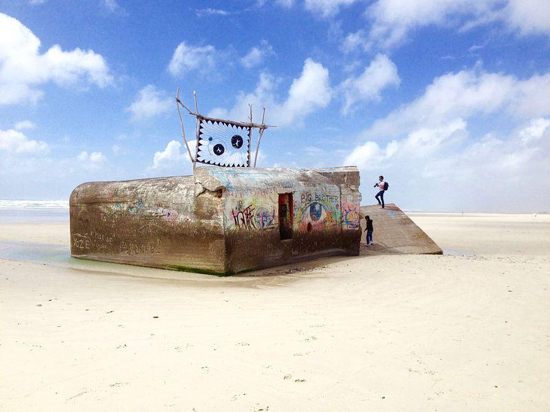 Bunker op het strand van Hans van Ewijk