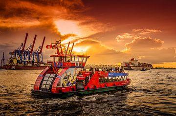 Hamburg, haven, Elbe, havenveerboot van Ingo Boelter