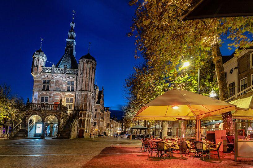 Museum De Waag met terras in Deventer van VOSbeeld fotografie