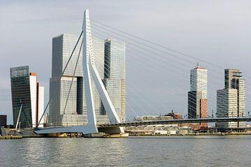 Architectuur op de Rotterdamse Wilhelminapier sur Rick Keus
