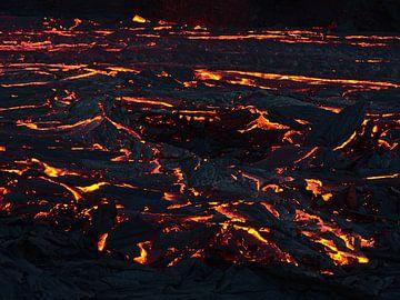 Gloeiende lava van Timon Schneider