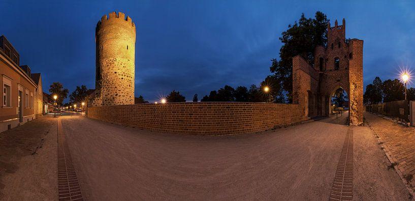 Mittenwalde - vieille porte de la ville et tour poudrière sur Frank Herrmann