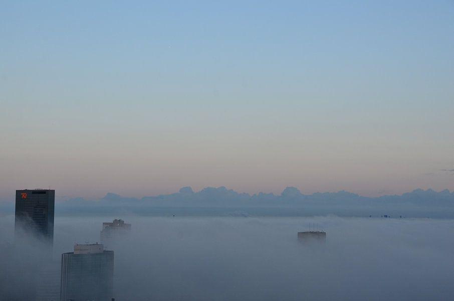 Boven de Mist van Marcel van Duinen