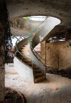 Stilvolles, baufälliges Treppenhaus.