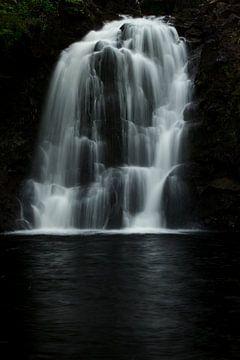 Rha waterval, nabij Uig, Isle of Skye, Schotland van Hans Koster