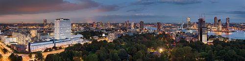 Panorama nächtliches Rotterdam von Anton de Zeeuw