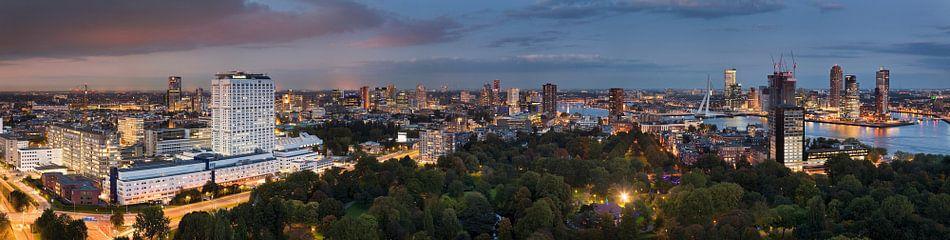 Panorama nachtelijk Rotterdam