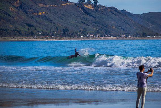 Surfing California van Bas Koster