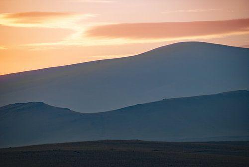 Zonsondergang, herfst, grens tussen Armenië en Turkije van