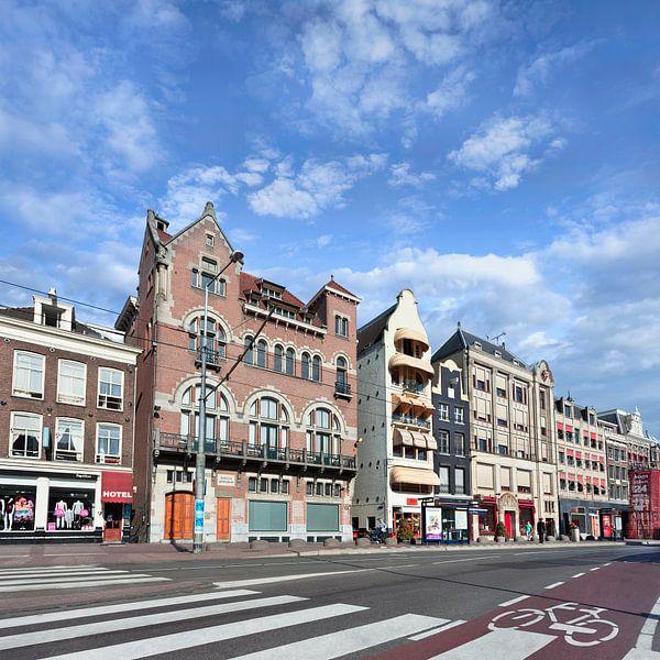 Reihe der historischen Gebäude an der berühmten Rokin, Amsterdam von Tony Vingerhoets