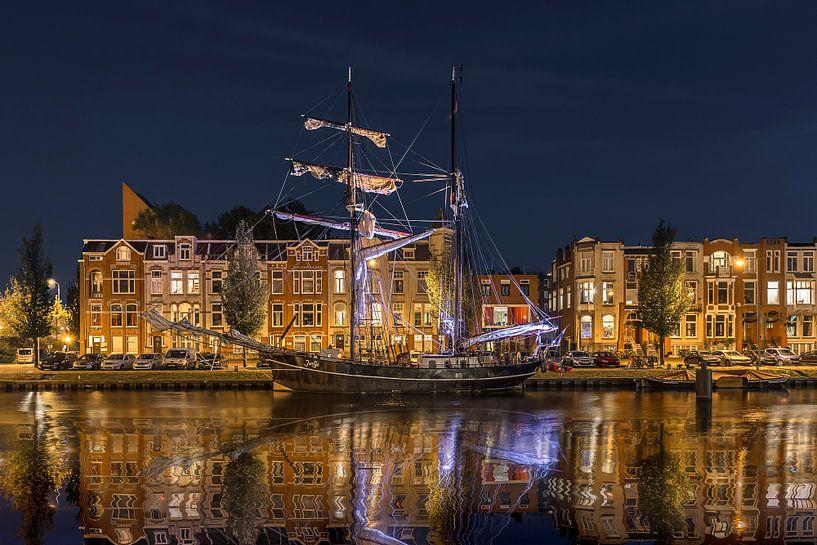 Avond in Oosterhaven Groningen van Peter Bolman