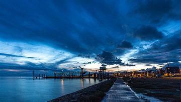 Havenweg Vlieland op een avond in Januari